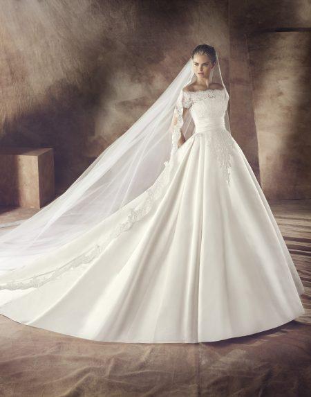 Klassisk brudklänning 0014