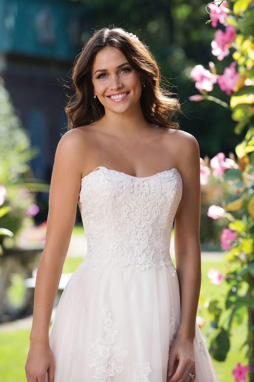 Bestseller brudklänning 011