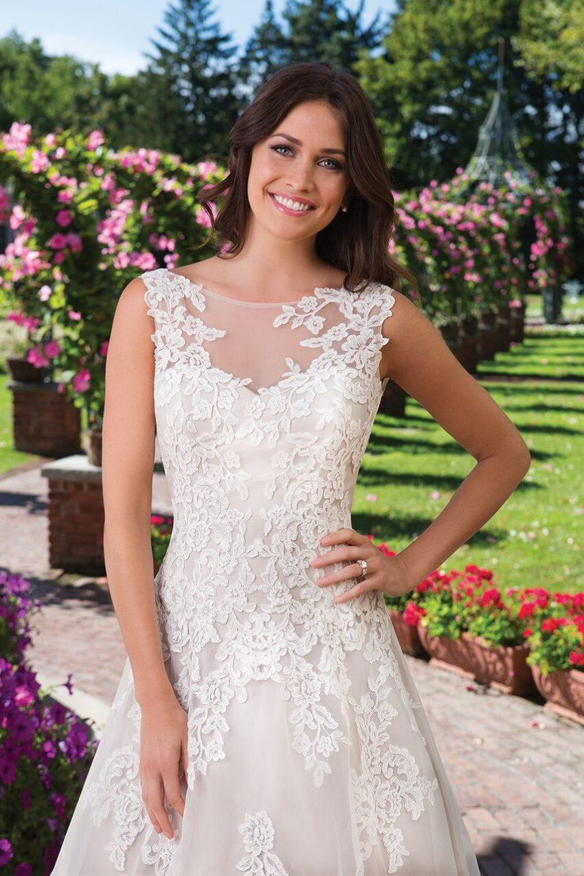 Bestseller brudklänning 015