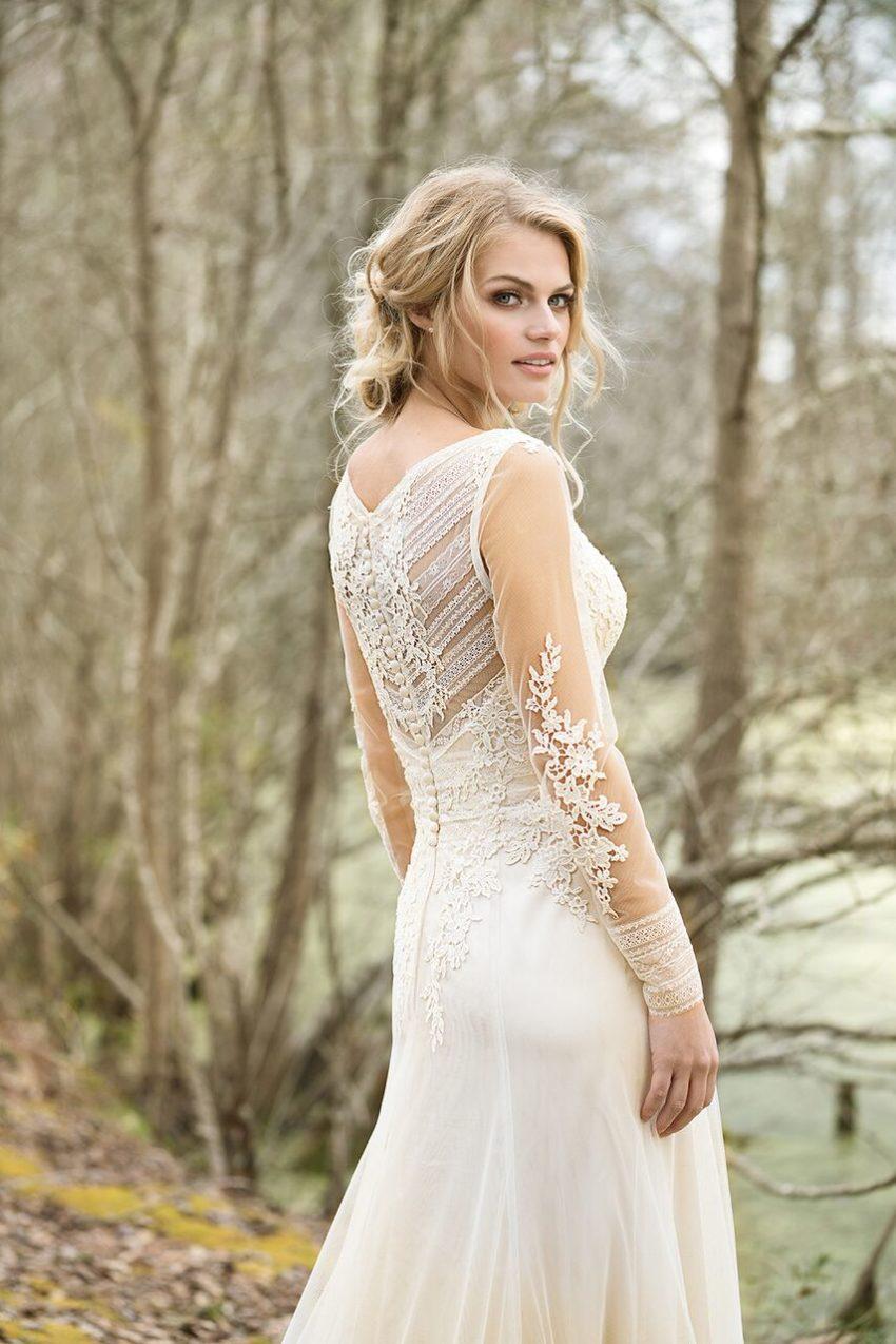 Bohemisk brudklänning 01