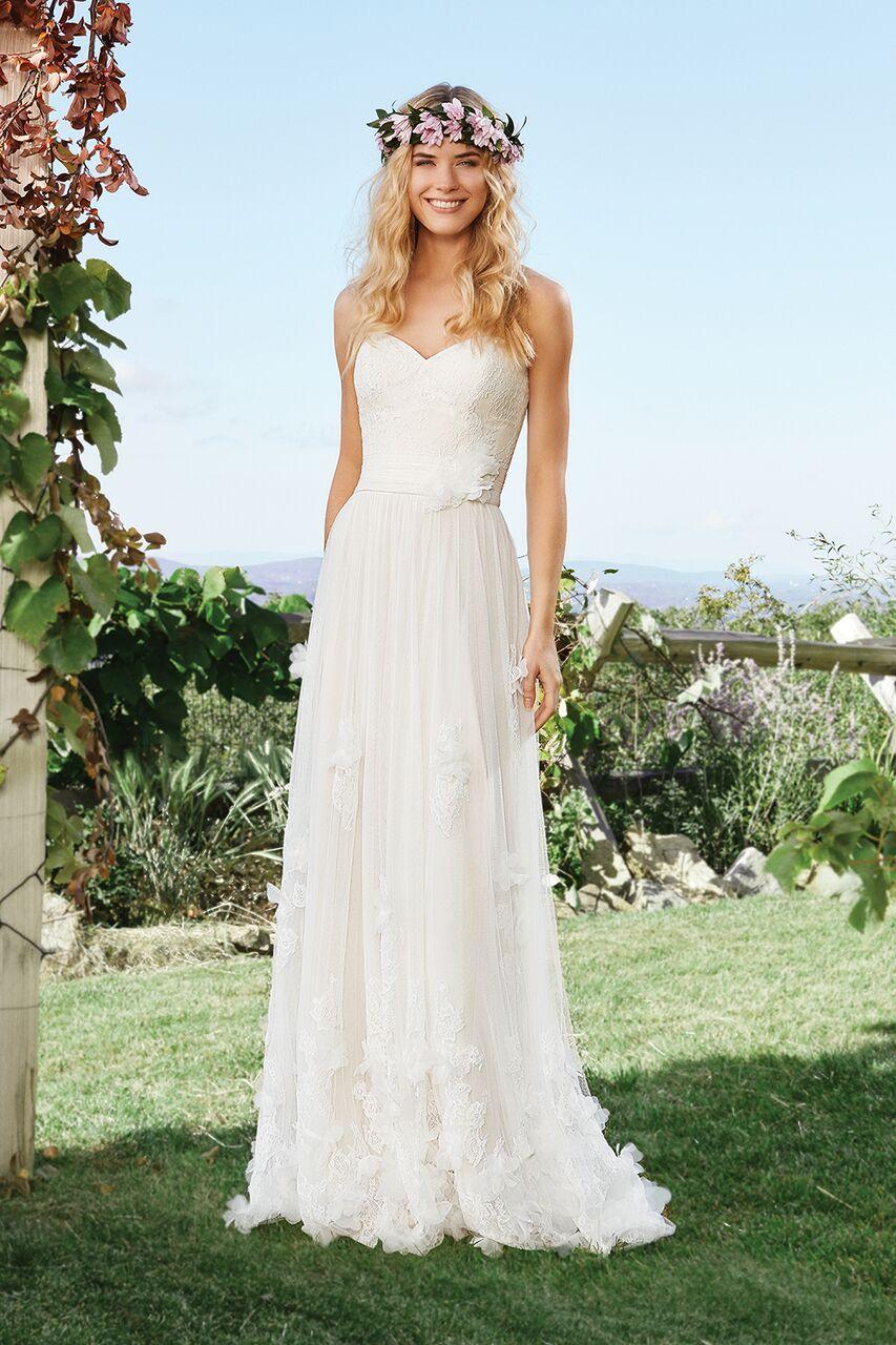 8122a7501cb2 Bohemisk brudklänning 13 | Ramona Design Bröllopsklänningar