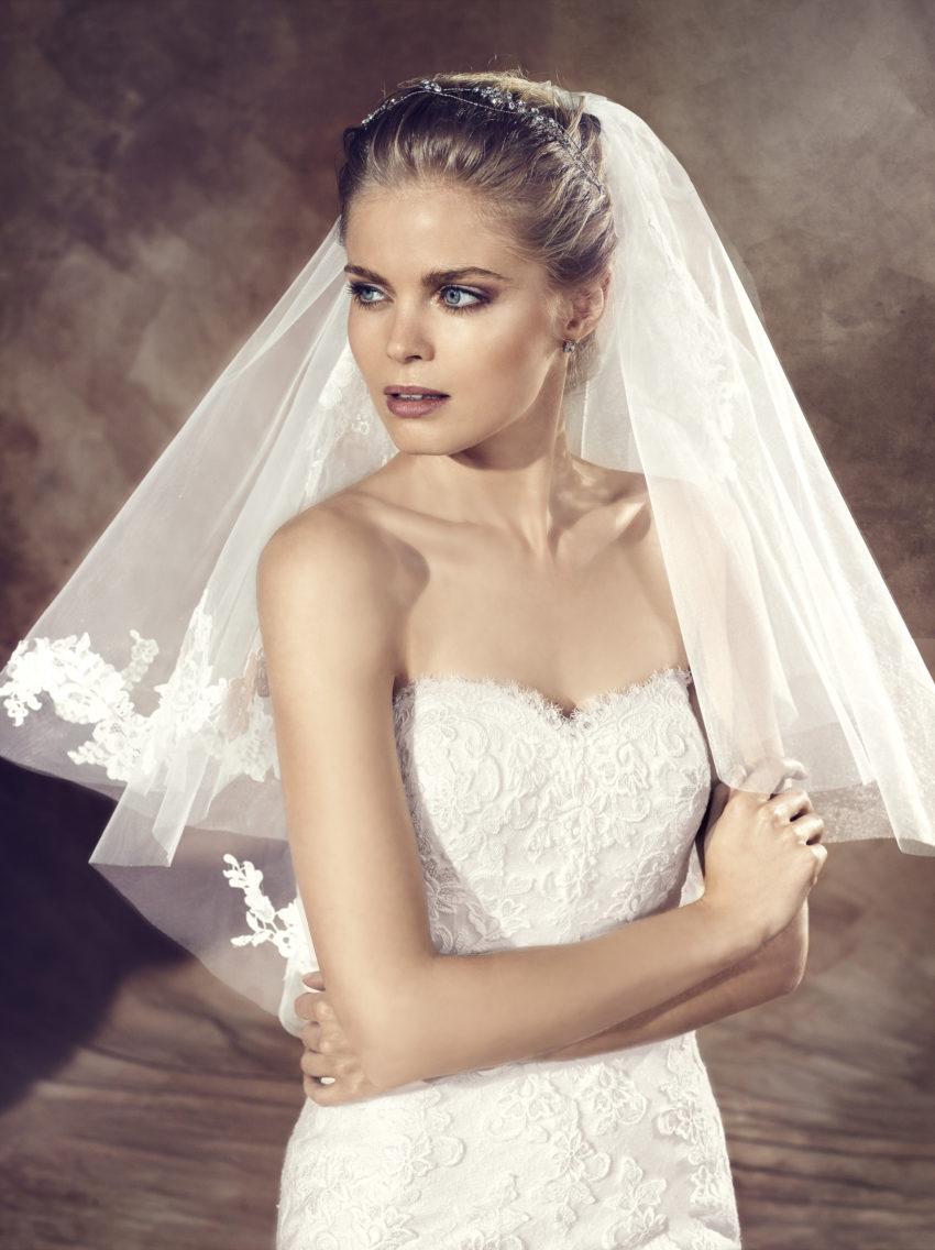 Klassisk brudklänning 0007