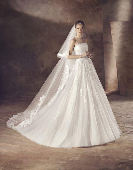 Klassisk brudklänning 0012