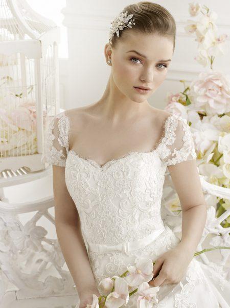 Klassisk brudklänning 003