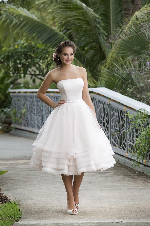 Bröllopsklänning romantisk från Ramona Design Göteborg