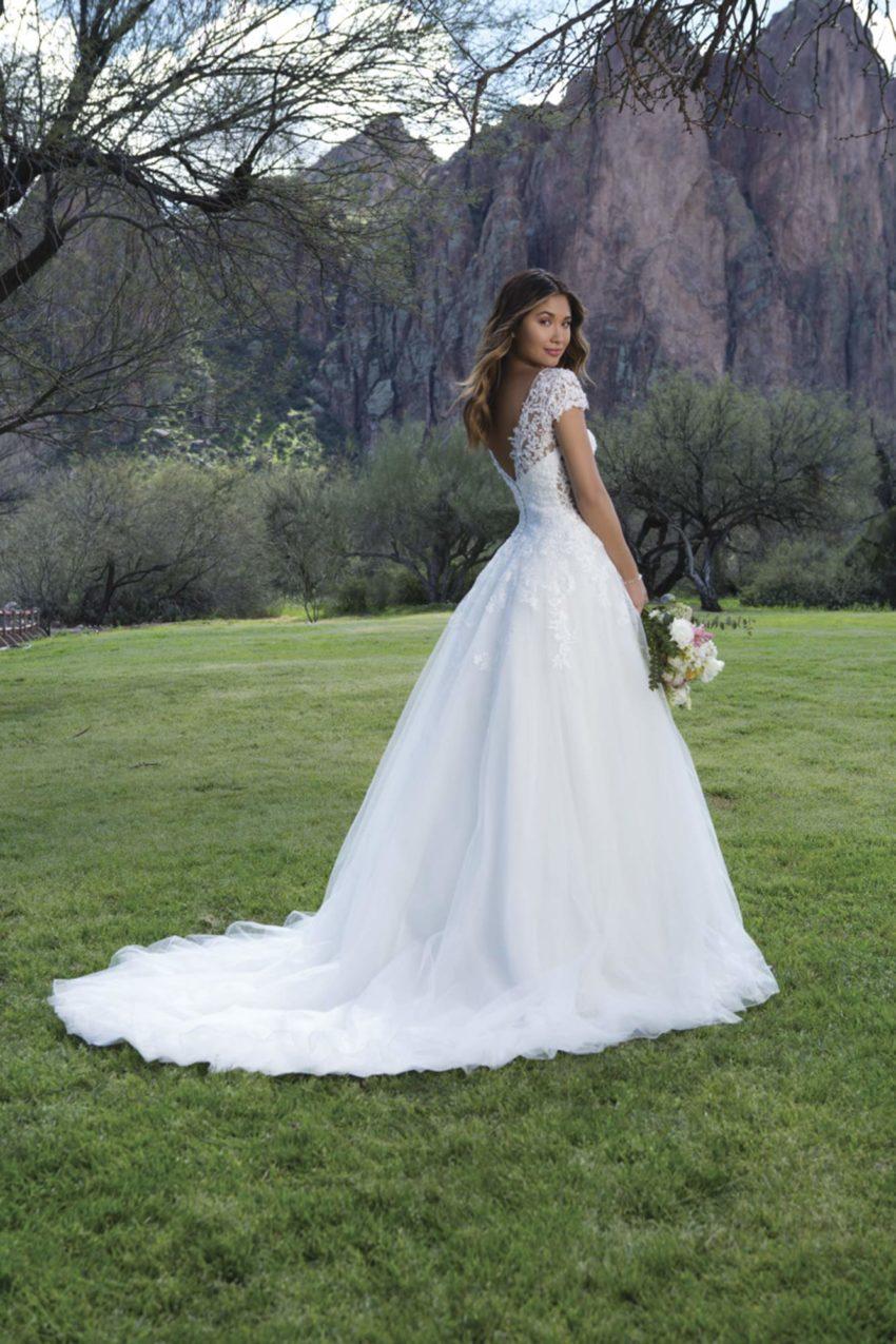 Romantisk brudklänning R1810