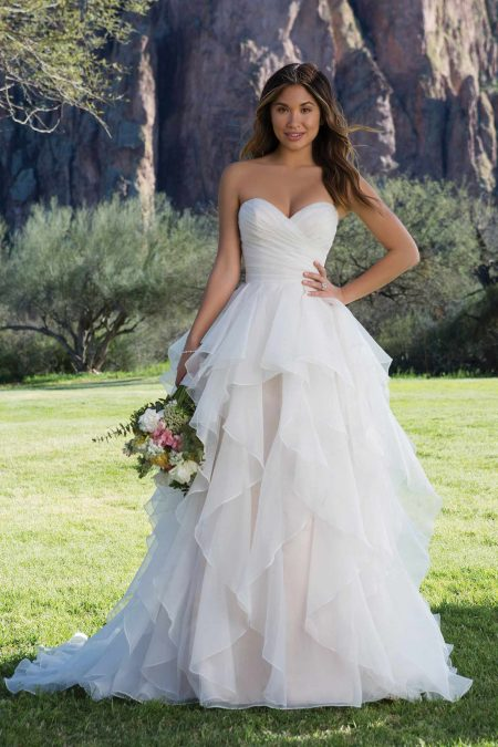 Romantisk brudklänning R1816