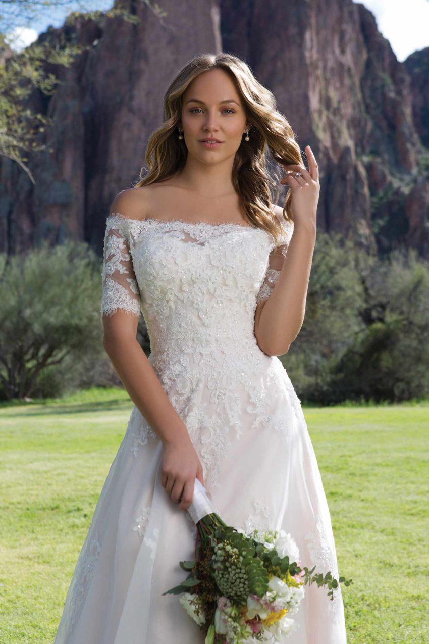 Romantisk brudklänning R1818