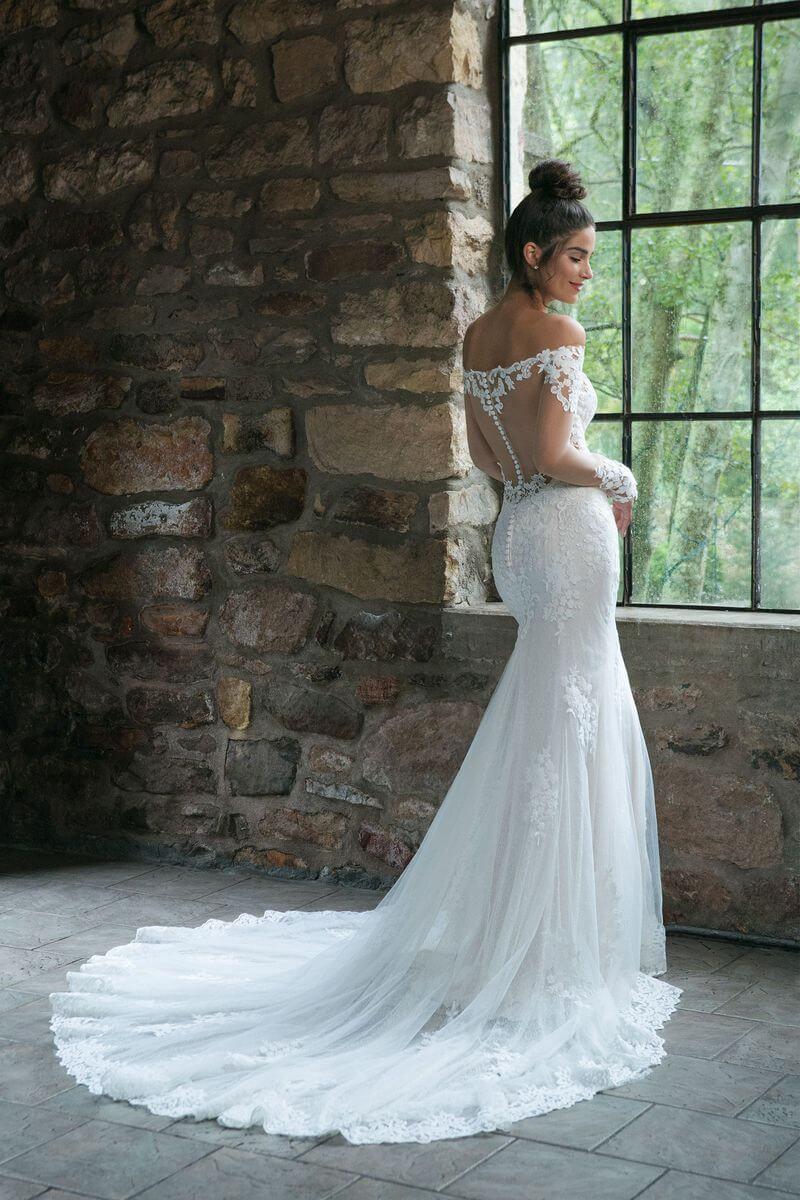 Romantisk bröllopsklänning R1903