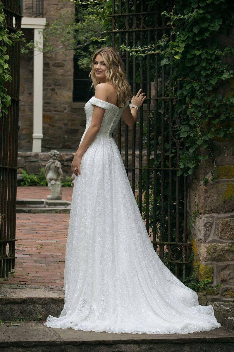 7cd3d0bddb7 Romantisk bröllopsklänning R1905 Romantisk bröllopsklänning R1905