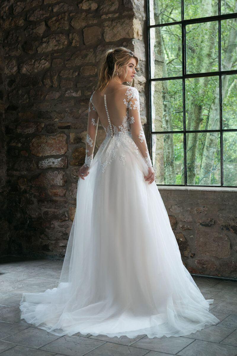 Romantisk bröllopsklänning R1907