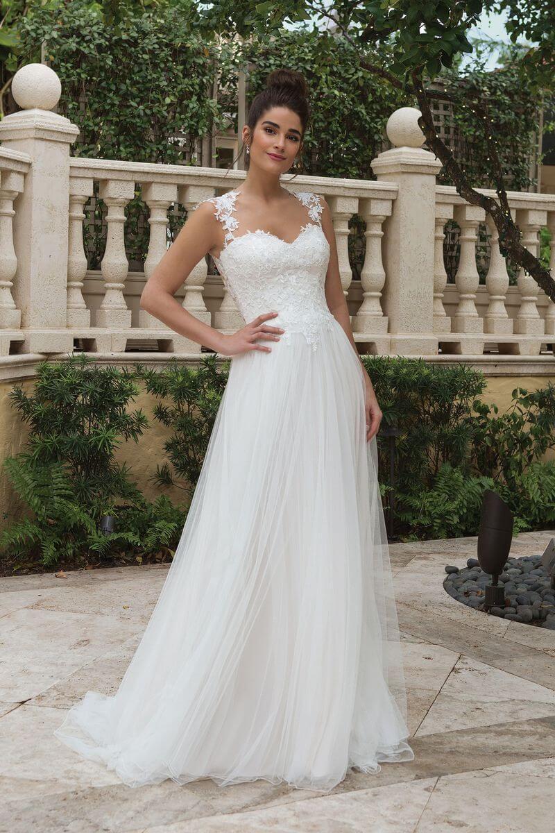 Romantisk bröllopsklänning R1909