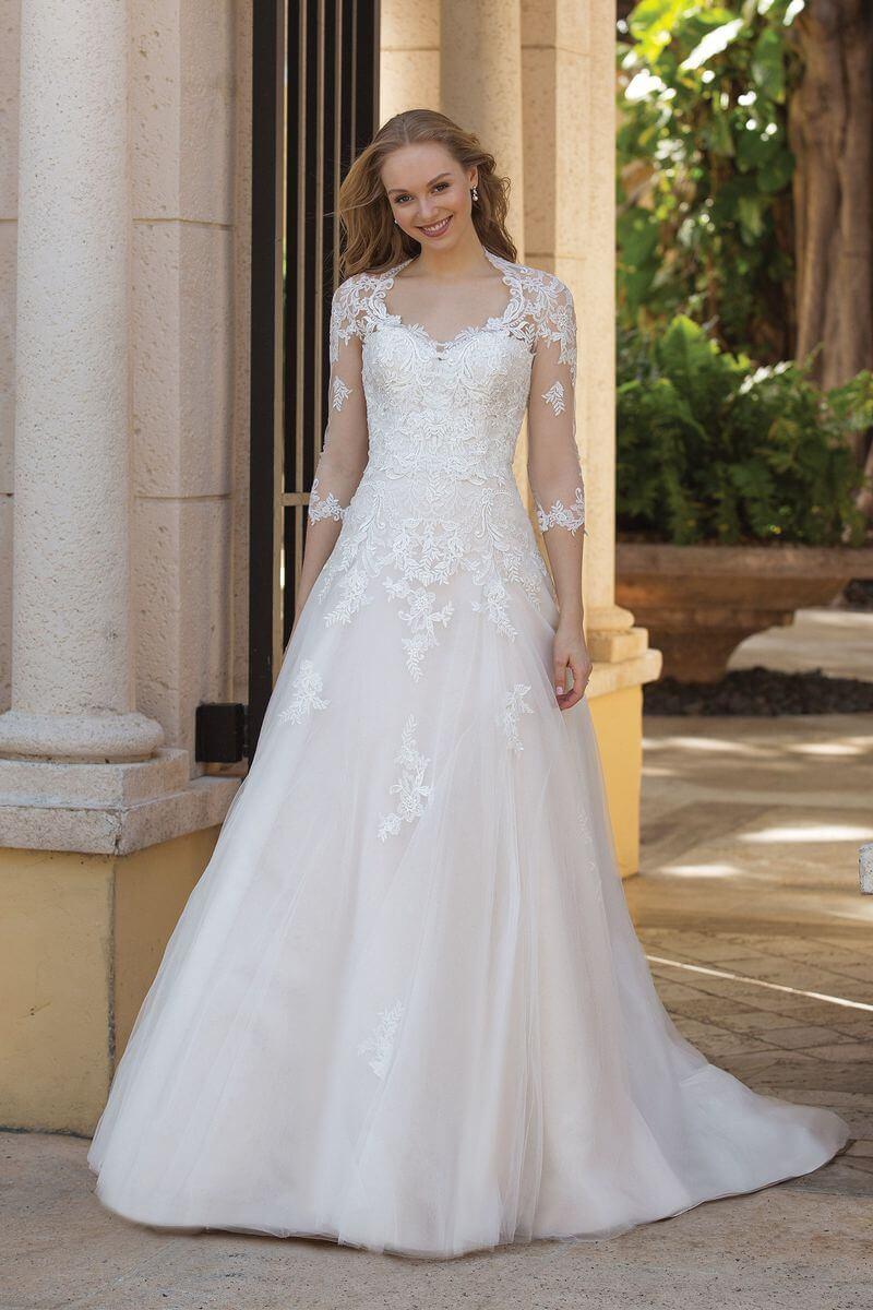 Romantisk bröllopsklänning R1910