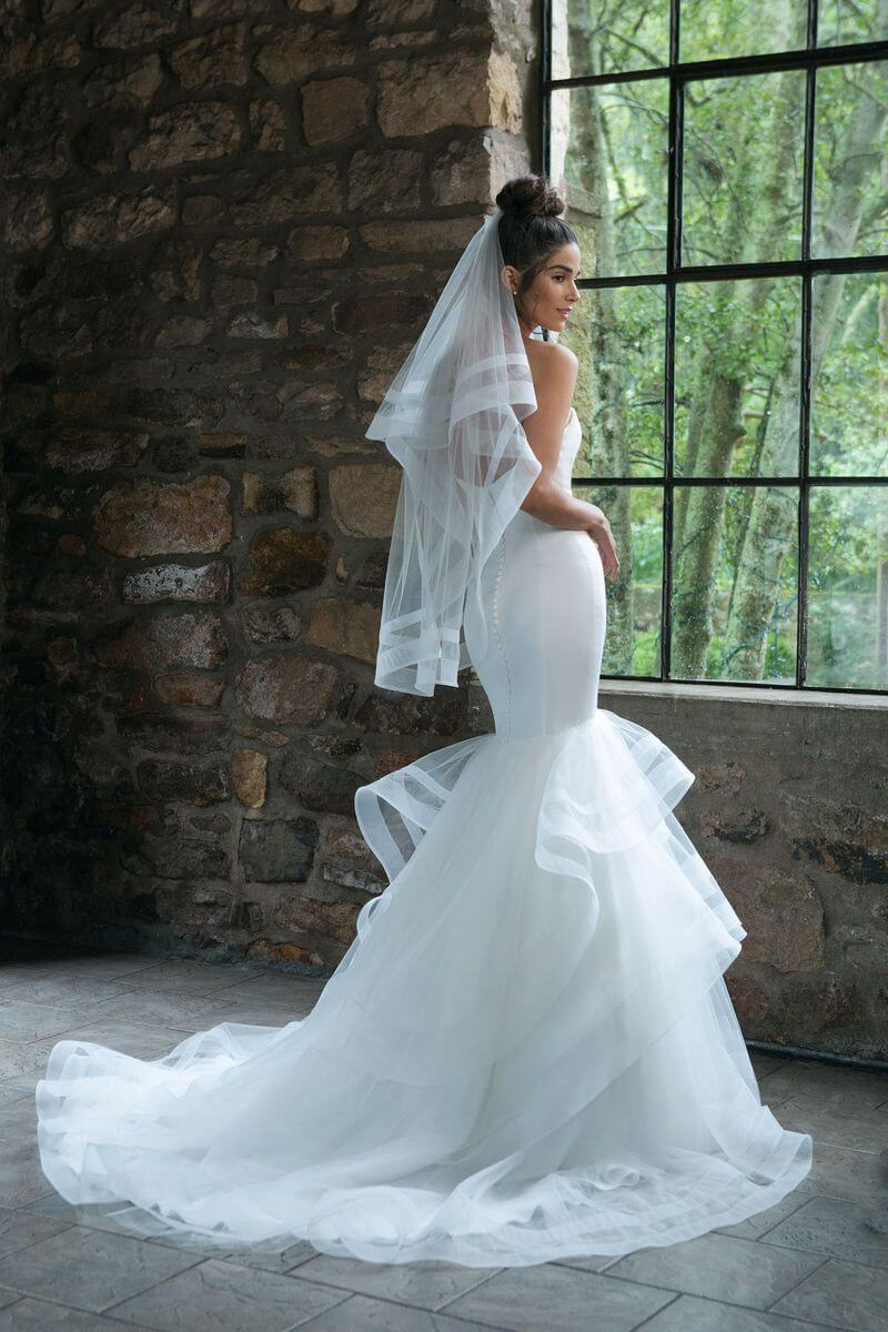 Romantisk bröllopsklänning R1915