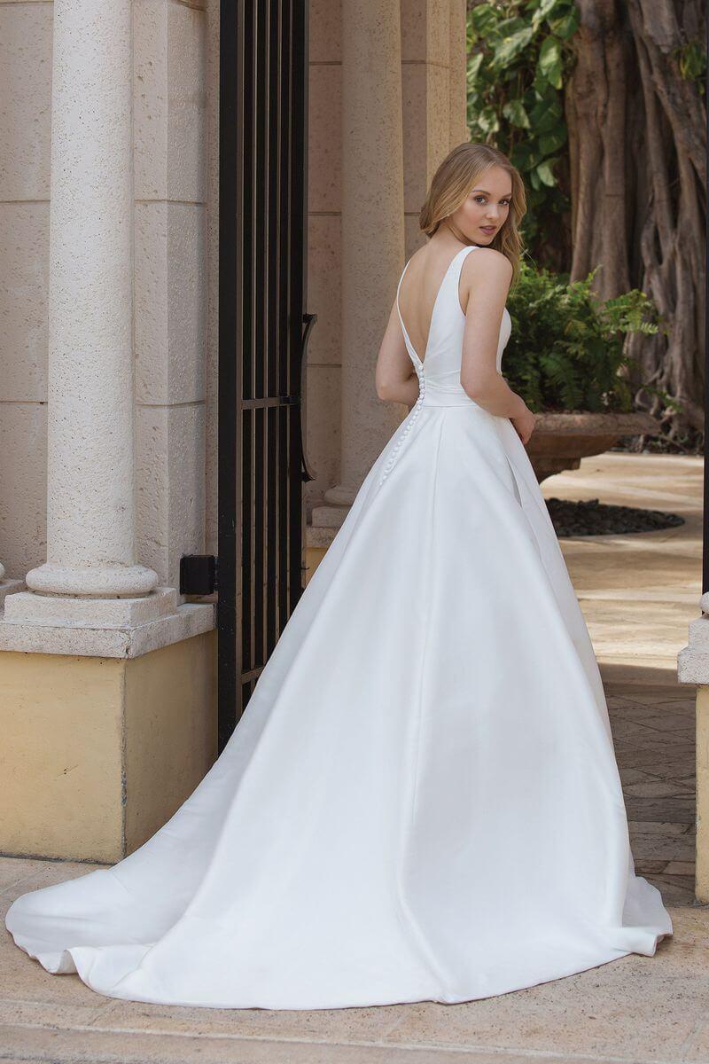 Romantisk bröllopsklänning R1925
