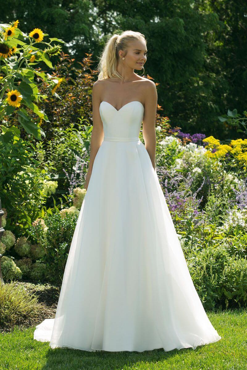 Enkel bröllopsklänning EN1901