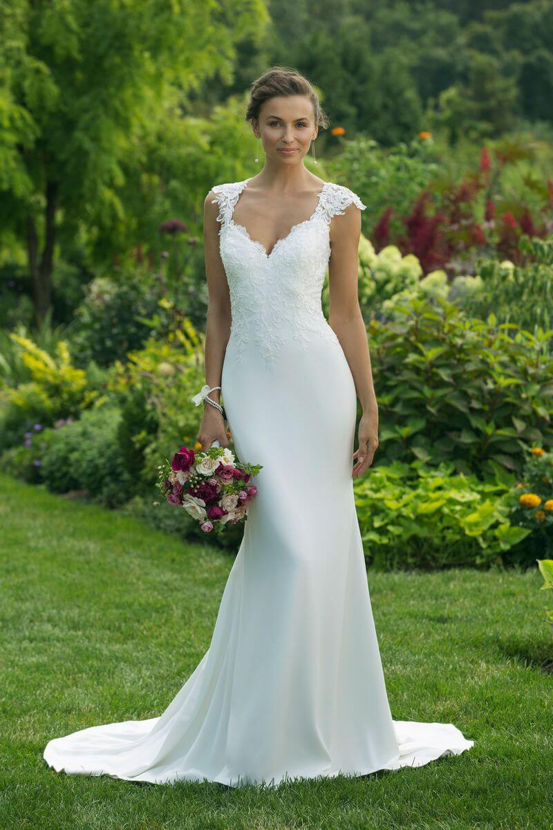 Enkel bröllopsklänning EN1904