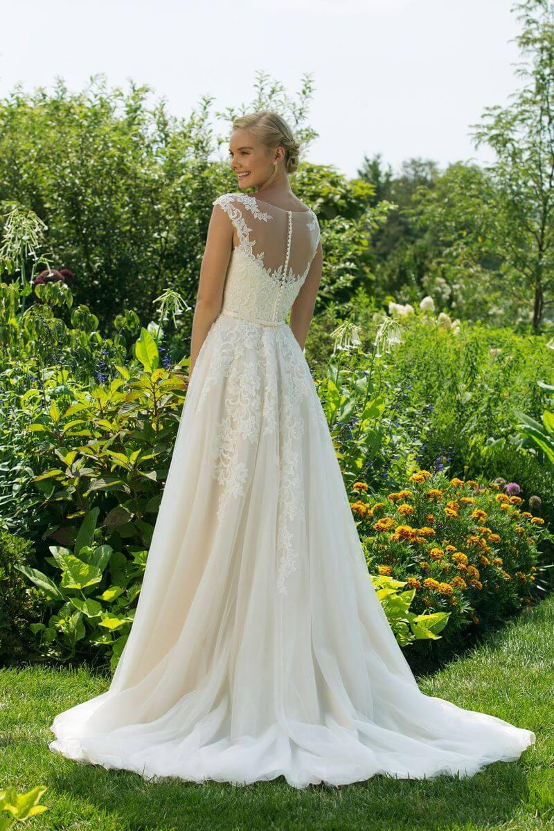 Enkel bröllopsklänning EN1911